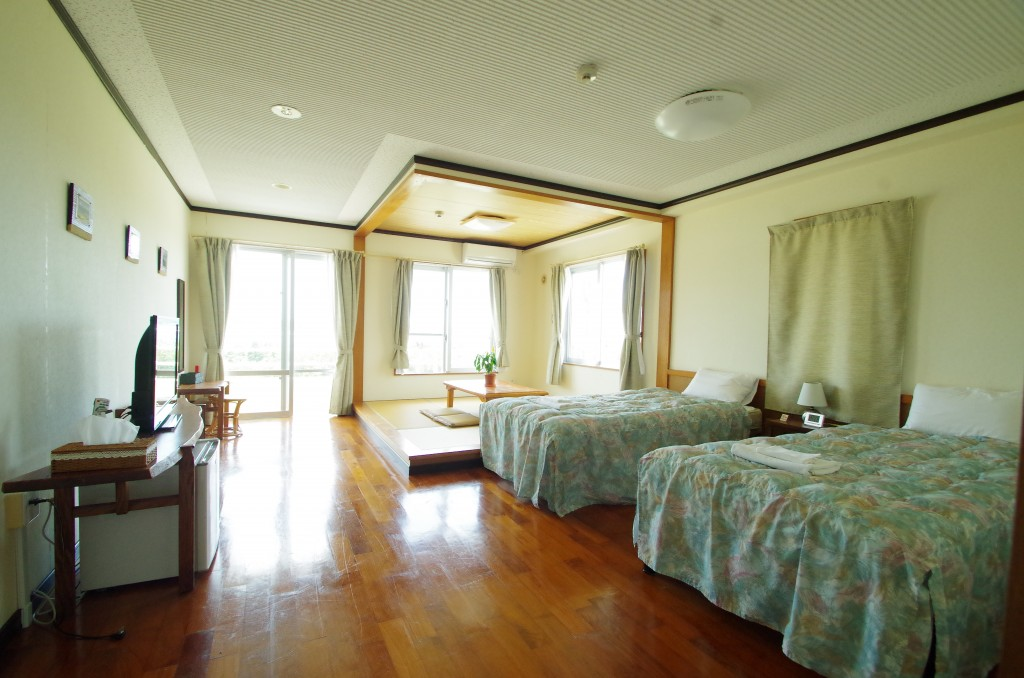 和洋室の落ち着いた部屋
