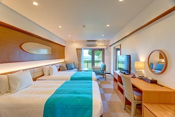 沖縄の美しい海をイメージしたお部屋